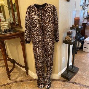 NICK&NORA Leopard One Piece Sleepwear Size Small